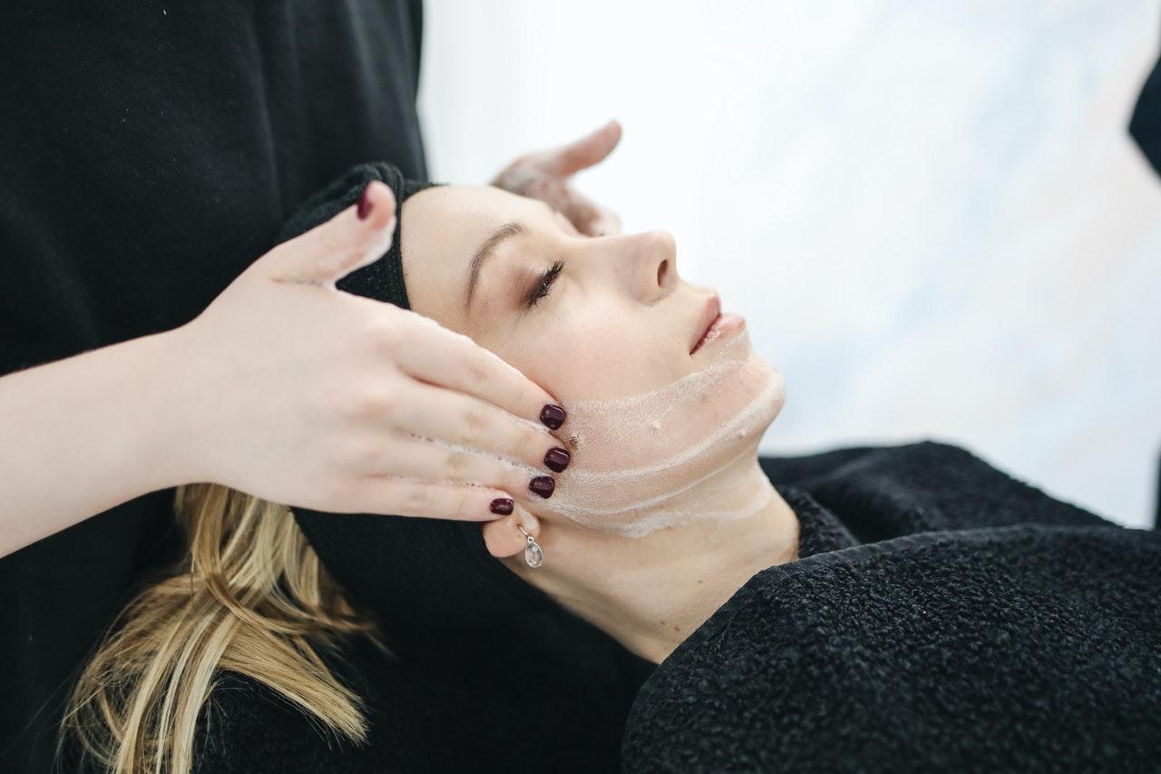 Zabiegi kosmetyczne a kondycja skóry